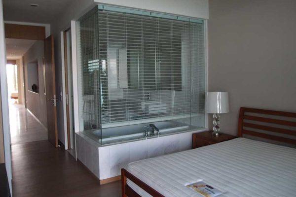 The-Coast-Sentosa-Master-bedroom