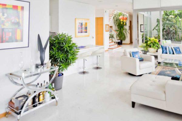 The-Oceanfront-Living-room-2